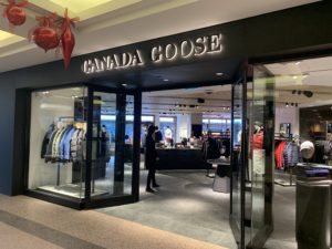 カナダグースがバンフダウンタウンに開店!!
