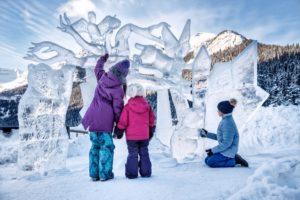 レイクルイーズの冬の祭典「アイスマジック」